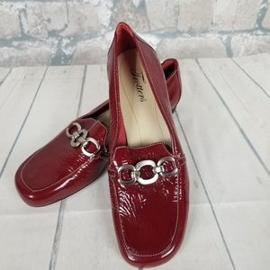 Trotters Loafer Flats Patent Red Leather Size 8M